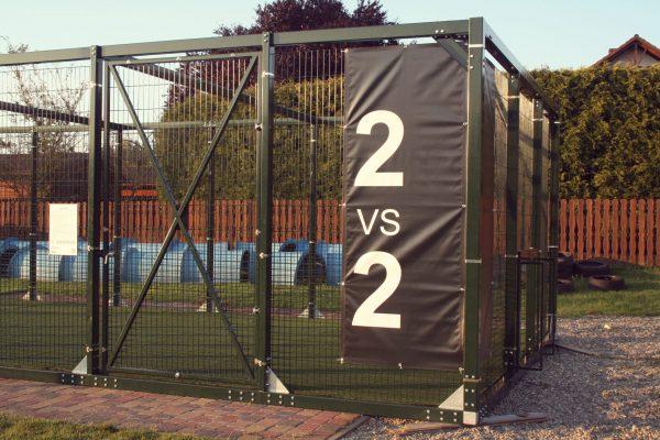 Zdjęcie realizacji Urbansport, przedstawiające boisko Q 503 w Gosław Sport Center w Wodzisławiu Śląskim, budowa boisk, boiska mobilne, piłka nożna w klatce